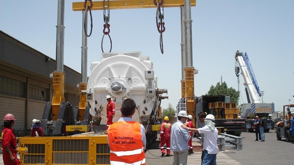 Handling of gas turbines - power plant