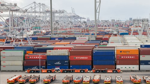 1600 x 900 Containers at Rotterdam port