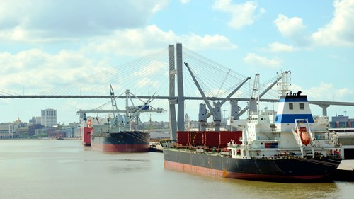1600 x 900 Savannah Port USA